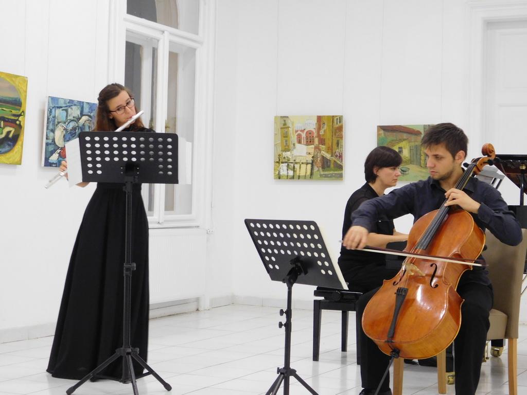Nemanja Stankovic i Milica Tomic i Maja Mihic
